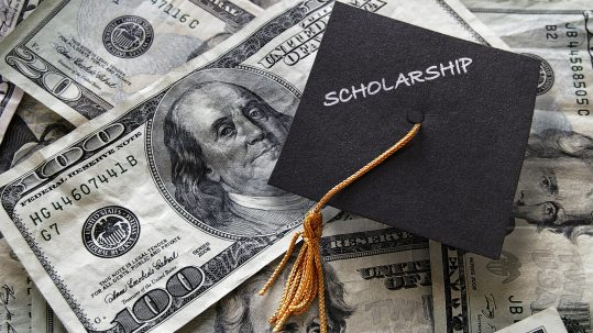 Why Your Student Should Still Search for Scholarships